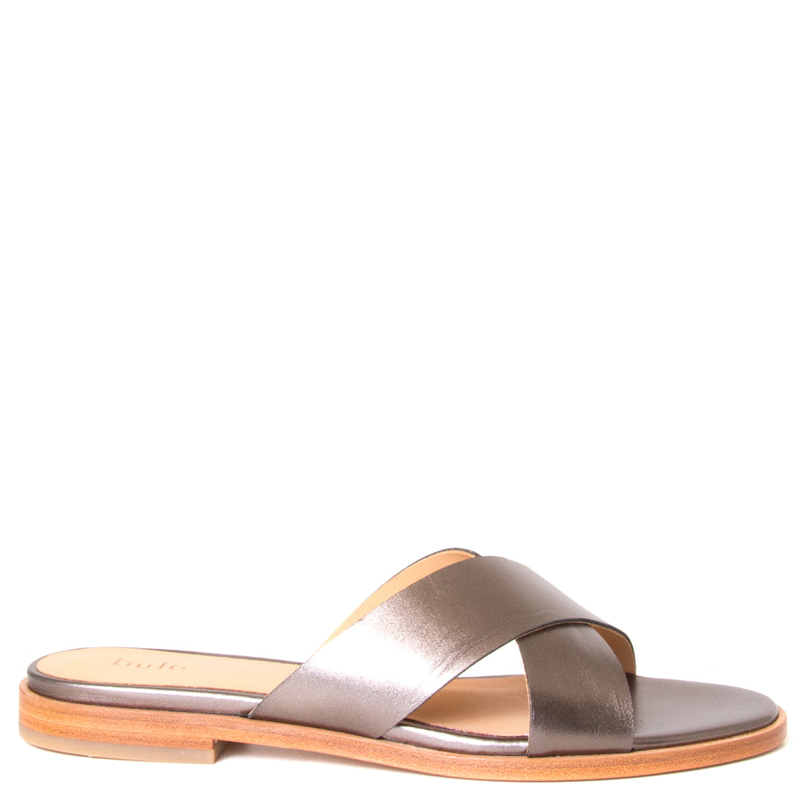 Bulo Rossana. Women's sandals  in Gun Metal leather, flat heel. Side View.