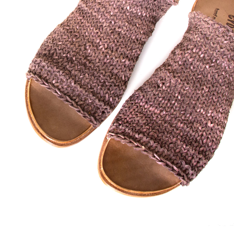 Cydwoq Asia. Women's Mules in woven Brown leather. Anatomical footbed for arch support and comfort. Made in California. Top view pair.
