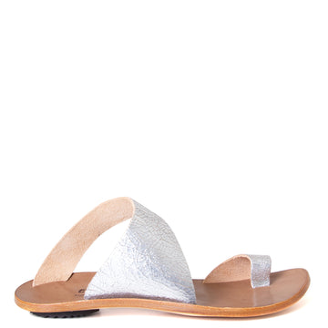 Cydwoq Thong , Hillary Sandal silver leather single strap and toe ring. Made in California. Side view.