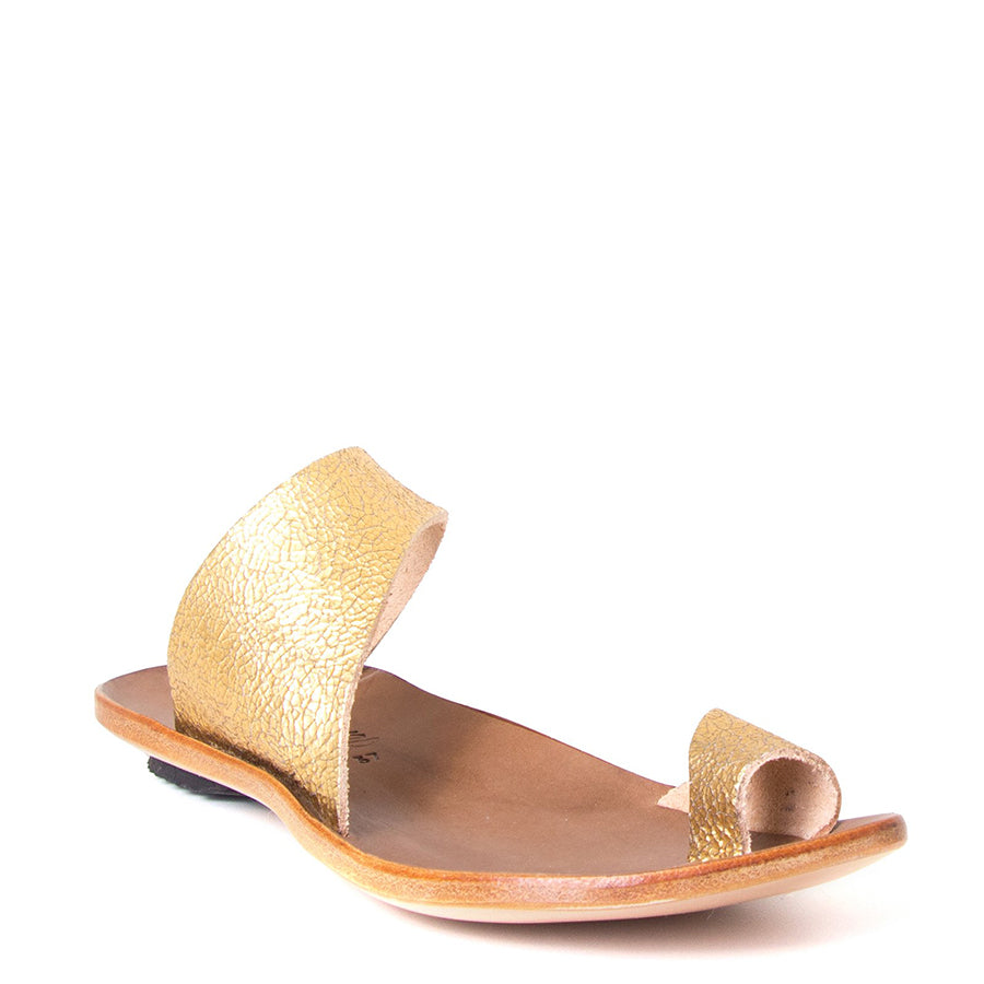 Cydwoq Thong , Hillary Sandal gold leather, single strap and toe ring. Made in California. Front view.