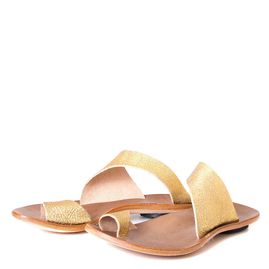 Cydwoq Thong , Hillary Sandal gold leather, single strap and toe ring. Made in California. Front view, pair.