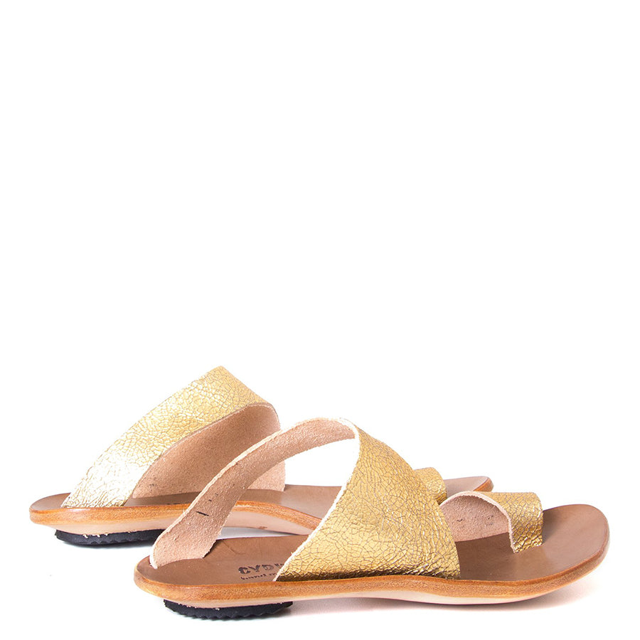 Cydwoq Thong , Hillary Sandal gold leather, single strap and toe ring. Made in California. Back view, pair.