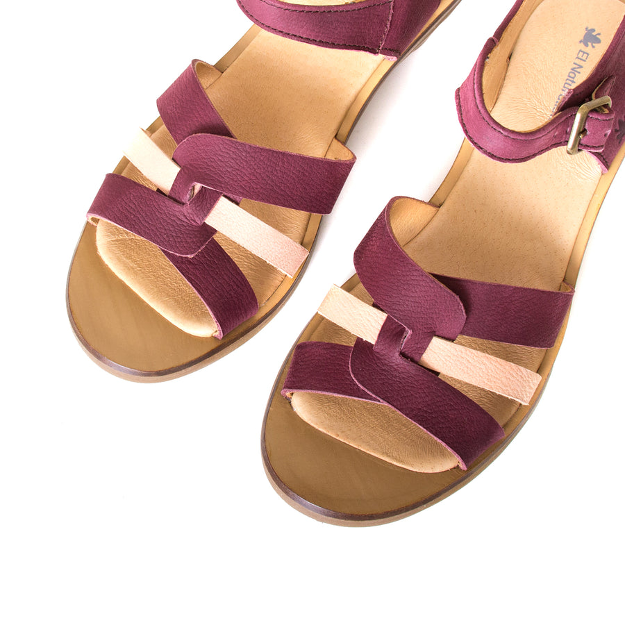El Naturalista Lola. Women's red purple leather sandals, 2-inch rubber heel, anatomical footbed for comfort. Made in Spain. Top view, pair.