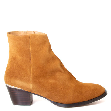 Emma Go Carter. Women's ankle boot, Cognac Suede, side zipper, 1.5-inch heel. Made in Spain. Side view.