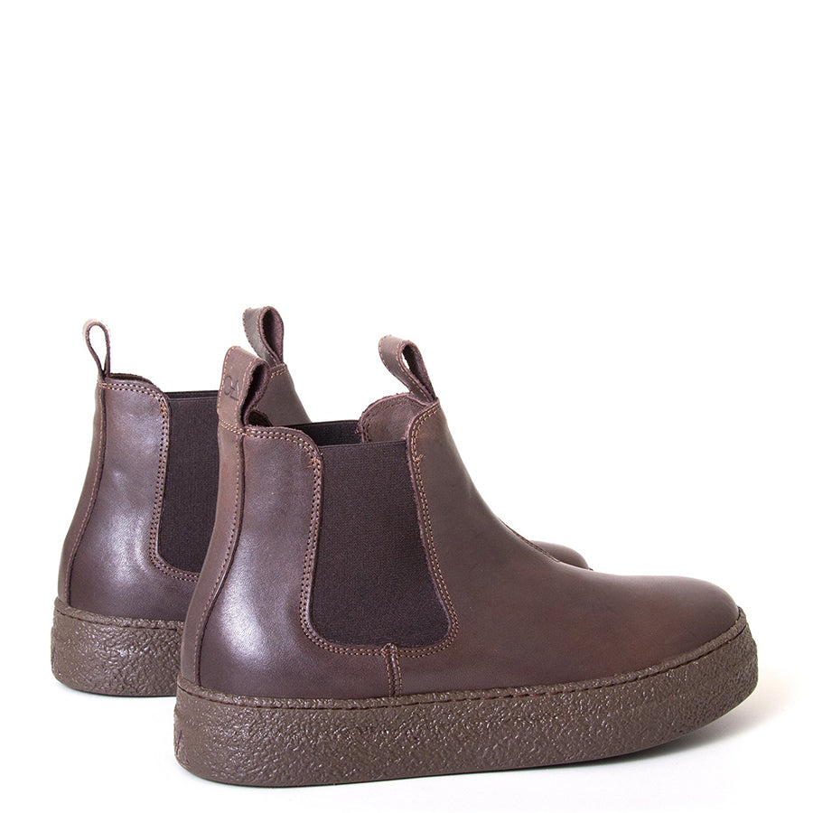 OA non-fashion Triangle. Women's Brown pull-on boot, all leather, 1.5 rubber heel. Made in Italy. Back view pair.
