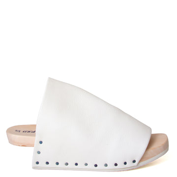 Trippen Gush. Women's White leather clog. Wood wedge heel with rubber tread. 2