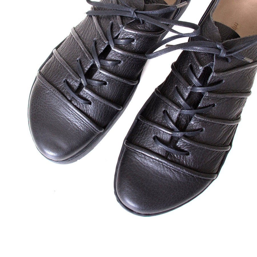Trippen System. Women's laced platform shoes in Black leather. 1