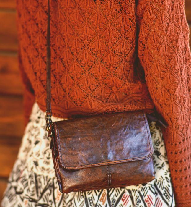 Bed Stu Ziggy. Women's clutch, cross body in Brown leather. Worn view on the back.
