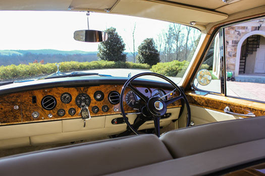 1970 Rolls Royce Phantom VI dashboard