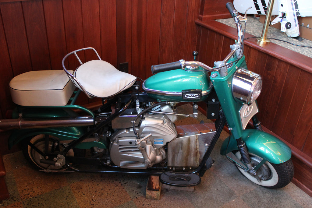 1961 Eagle Cushman Motor Scooter for rent
