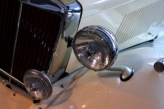 1953 MG Roadster headlight