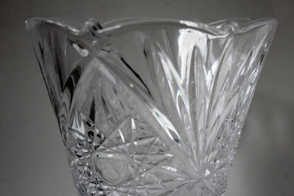 15-3 Beautiful glass vase modern design