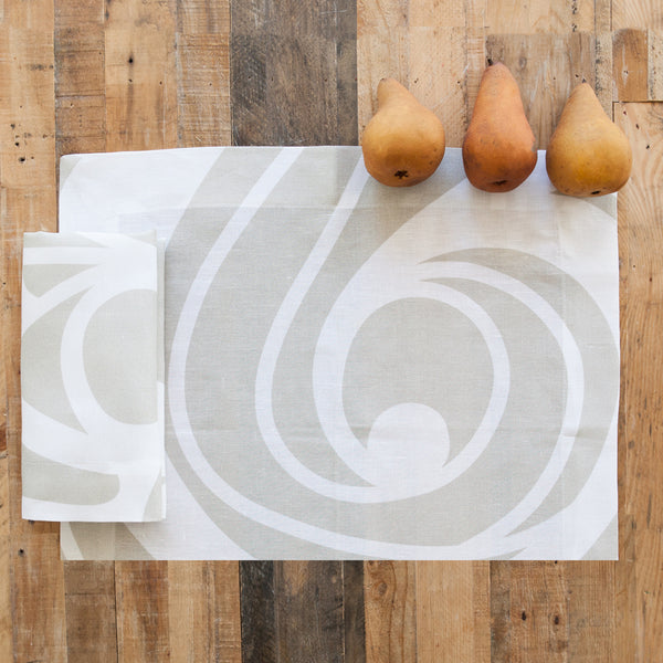 Sloan Champagne Swirl Linen Placemat (Set of Four)