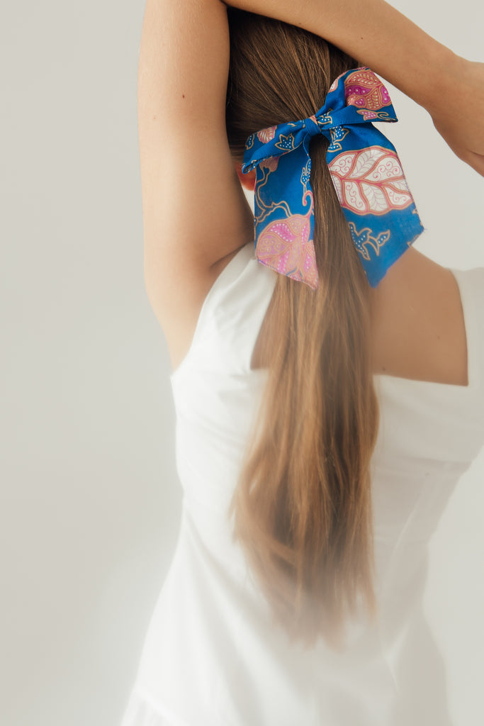 Hair Ribbon in Cobalt Gardenia