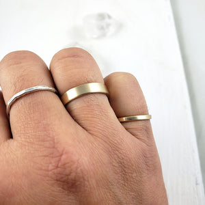 Solid Gold Band 2mm, Brushed