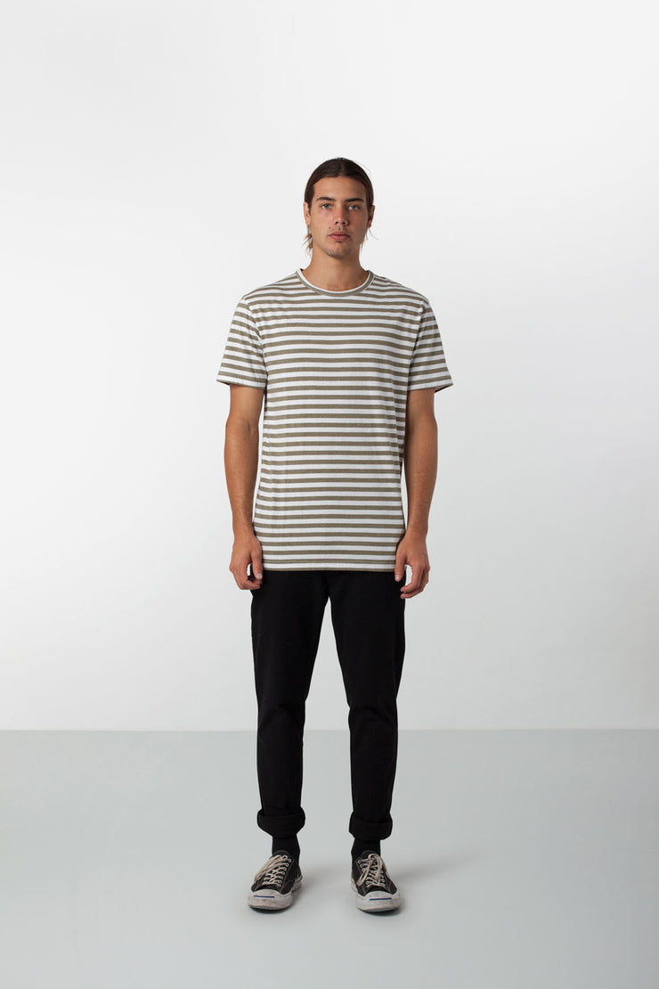 EVERYDAY STRIPE T-SHIRT CLASSIC OLIVE