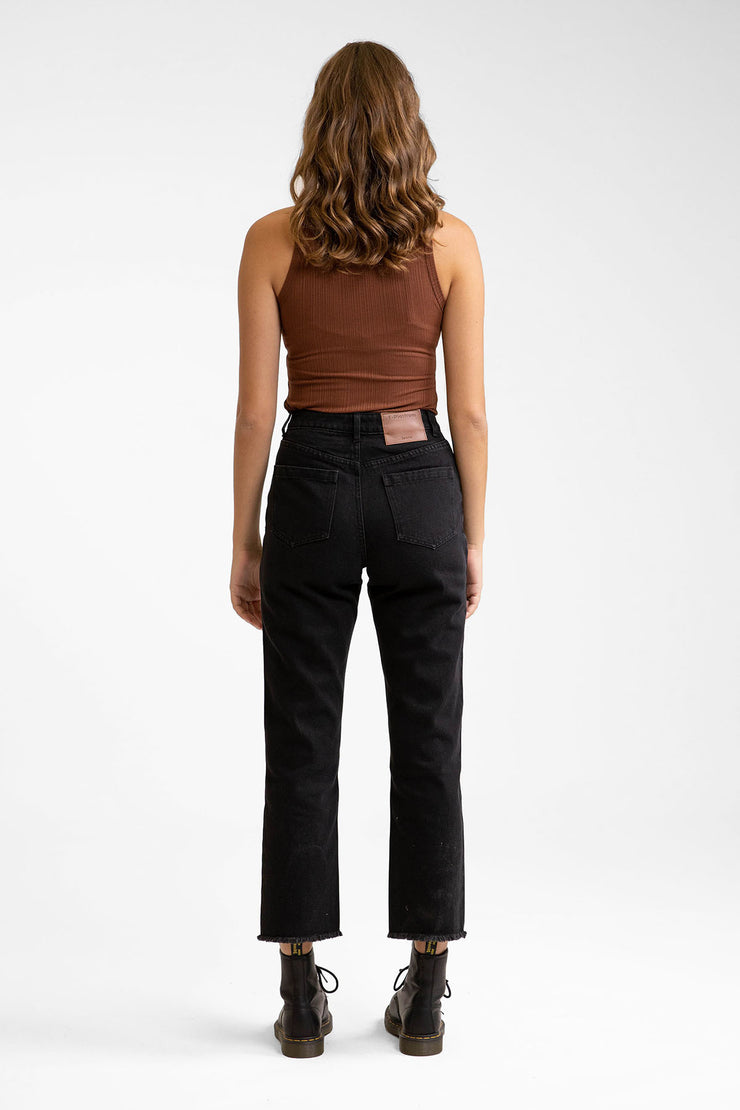 Straight Leg Cropped Jean Black