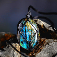 Load image into Gallery viewer, Necklace - Dragons Heart Labradorite Necklace