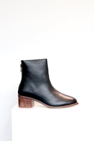 Wal & Pai Runyon Boot in Black