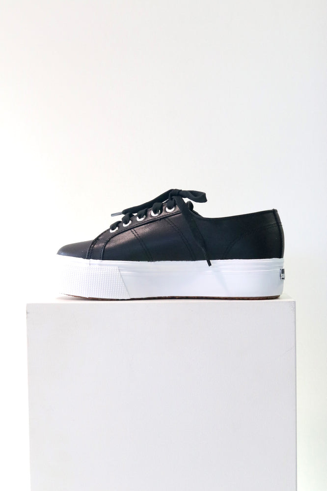 Load image into Gallery viewer, Superga 2790 Platform Shoes in Black Leather