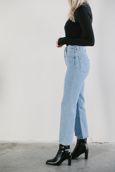 Levi's Ribcage Straight Ankle Jeans in Tango