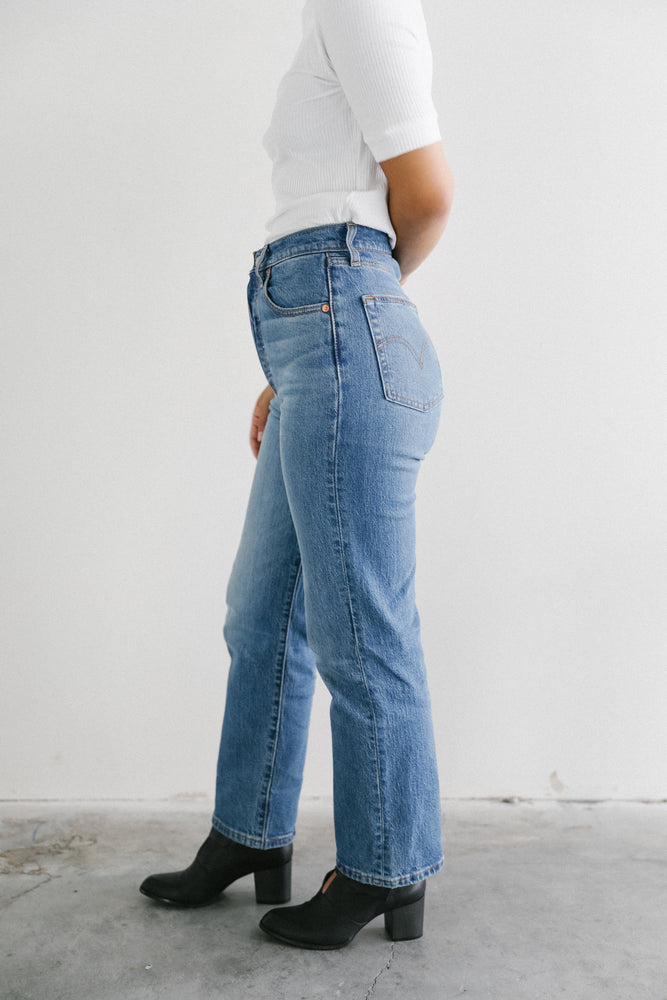 Load image into Gallery viewer, Levi's Ribcage Jean in Jive
