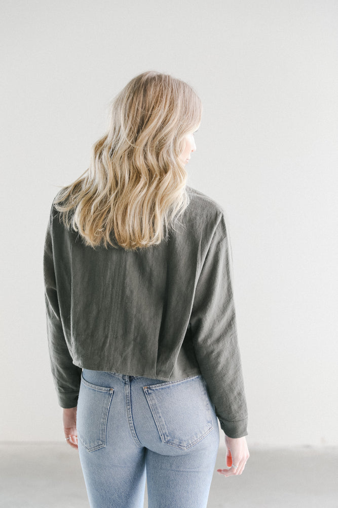 7115 Cropped Shirt Jacket in Olive