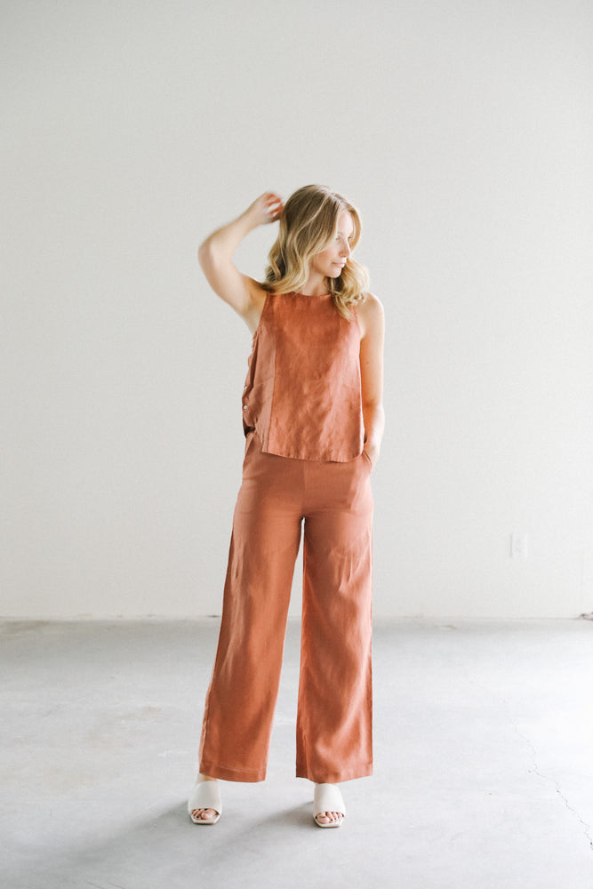 Load image into Gallery viewer, Lanhtropy Halo linen top in terracotta