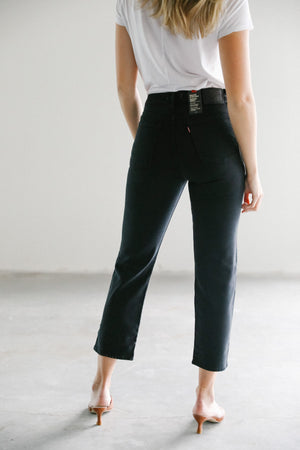 Levi's Wedgie Straight in Black Heart
