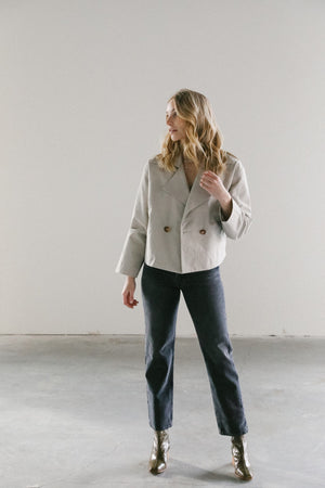 Load image into Gallery viewer, 7115 by Szeki Cropped Dusty White Peacoat