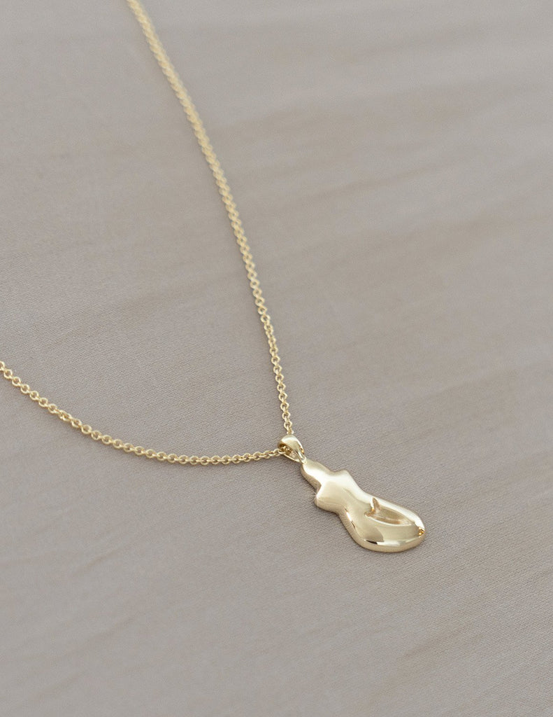Cadette Petite Form Necklace in Gold