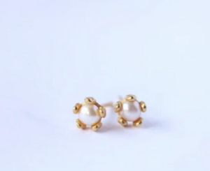 Little Gold - Tiny Pearl Flower Studs