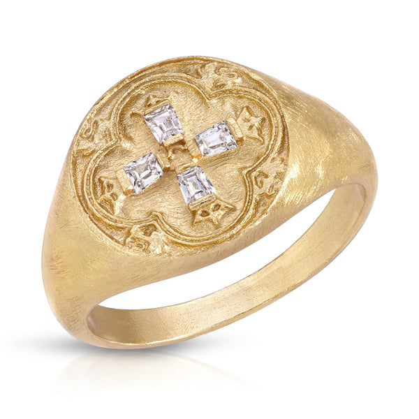 Dominique Signet Ring in Gold