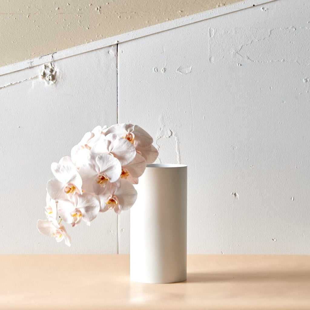 Manor Matte White Vase