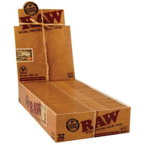 RAW Classic 1 1/4 Rolling Paper - 24 Count Box - vapersandpapers.com