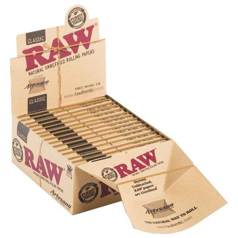 RAW Classic Artesano Kingsize Slim Rolling Paper w/ Tips & Tray - 15 Count Box - vapersandpapers.com