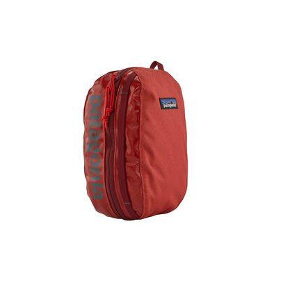 Patagonia BLACK HOLE CUBE Waschtasche Catalan Coral im WILDHOOD store
