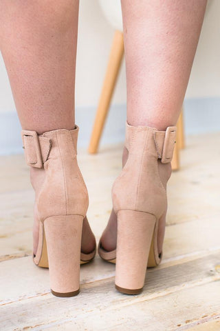 Enticing Notion Buckle Heel - Nude