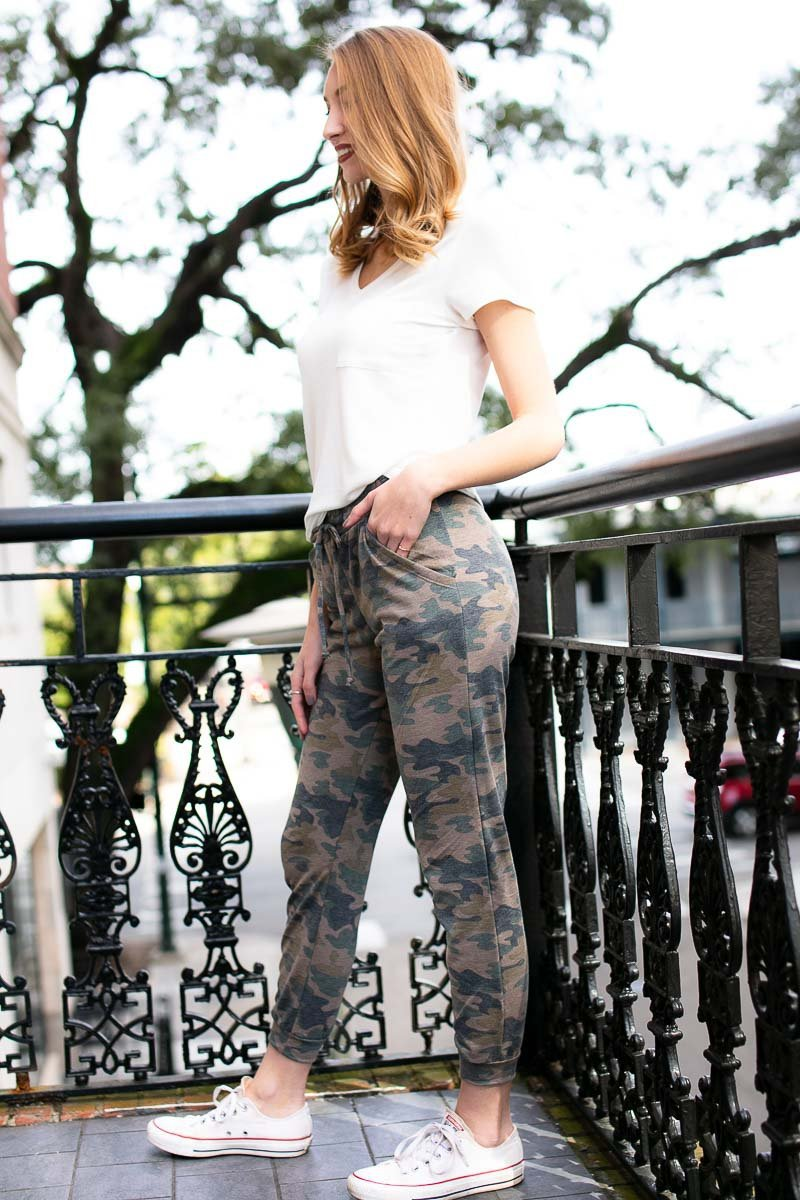 Thinking Back Slim Camo Joggers
