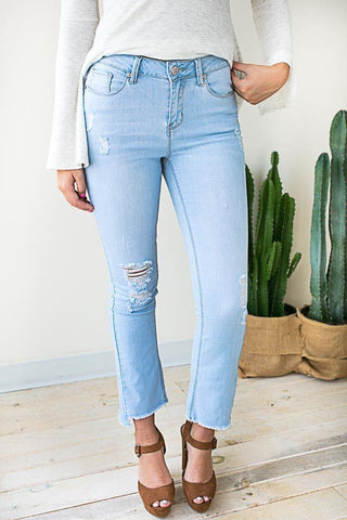 Perfect Style Cropped Distressed Jeans