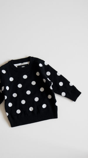 knit sweater / polka dots
