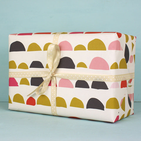 Bumps pattern pinks Gift Wrap (WR17)