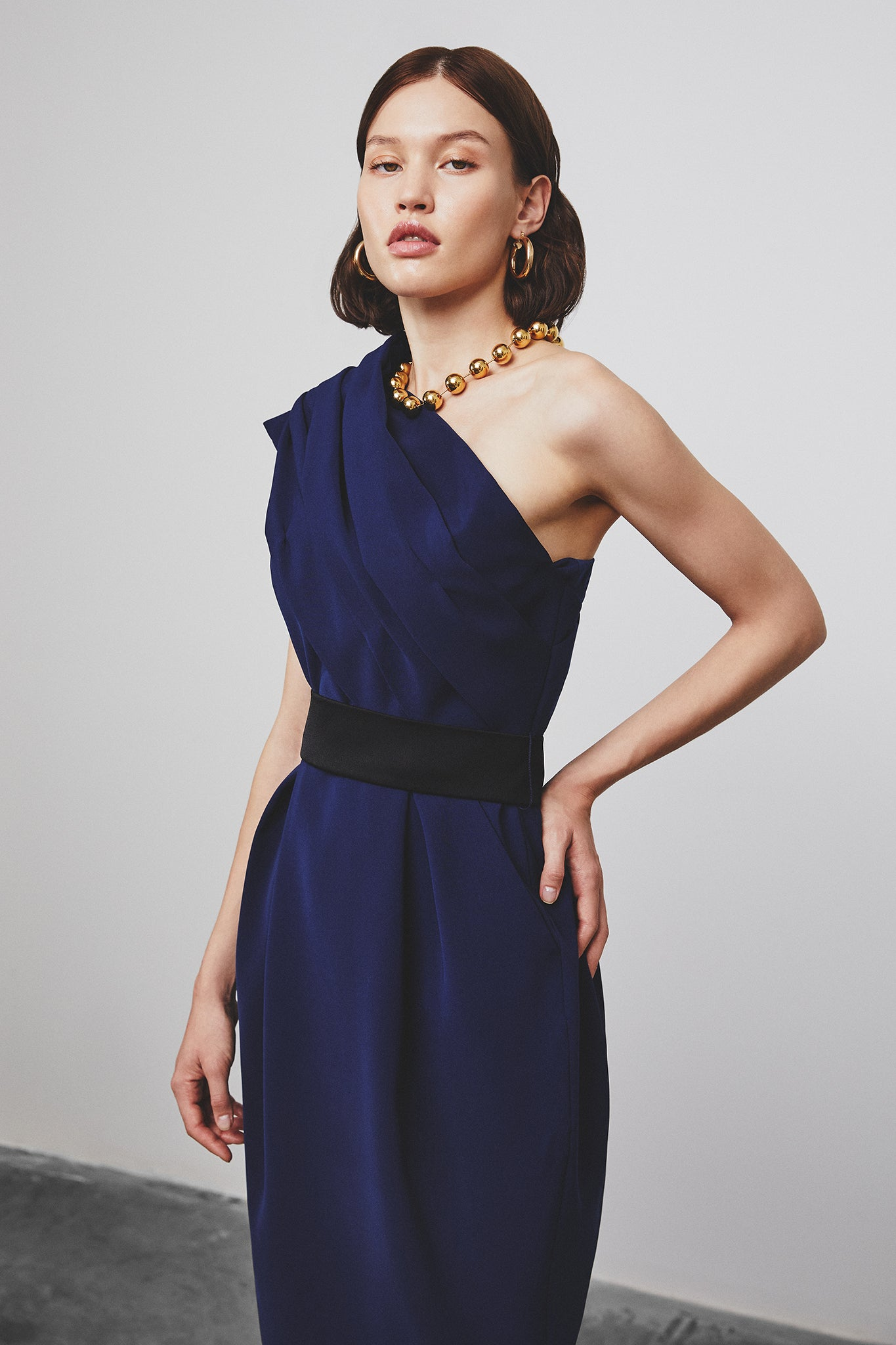ITALIAN CREPE ONE SHOULDER MIDI DRESS