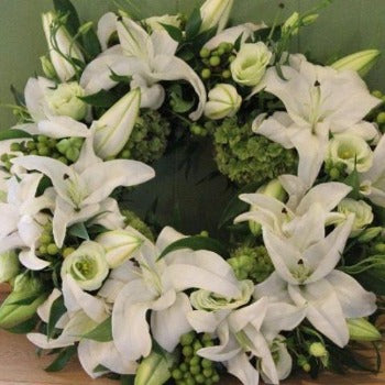 Awbridge - Funeral Flowers White Lily Wreath