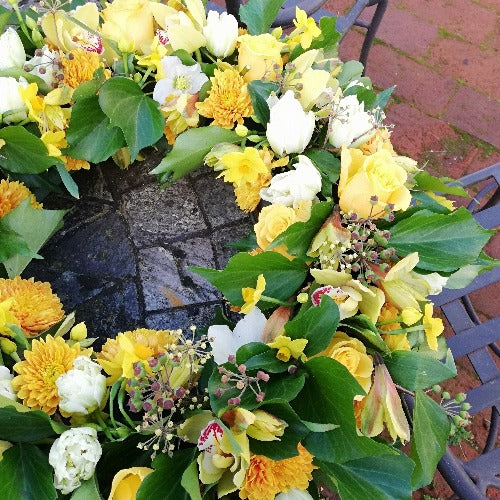 Appleshaw - Cream and Yellow Rose Funeral Wreath