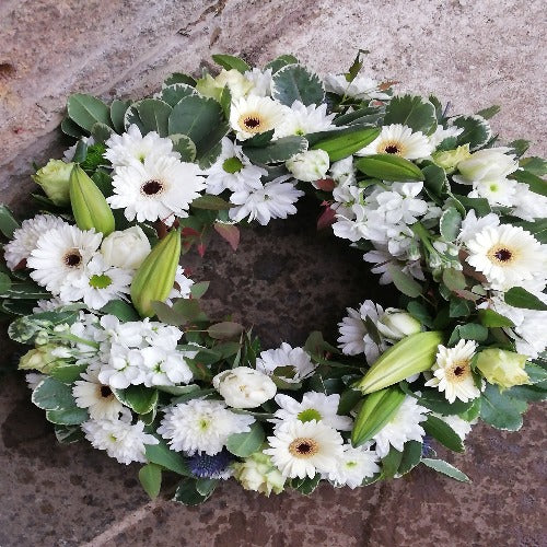 Draycott - Cream Rose Funeral Wreath