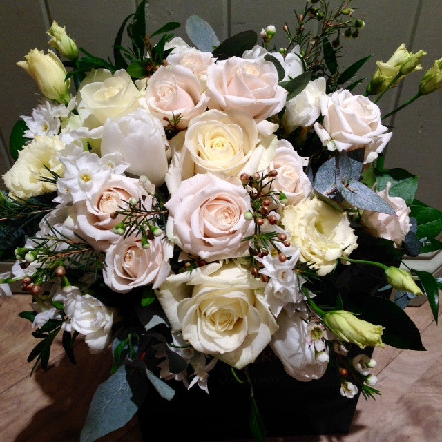 Luxury Pastel Roses Bouquet Amesbury Delivery.