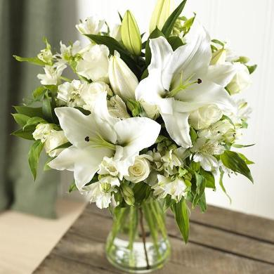 Erin - Luxury White and Lime Bouquet.