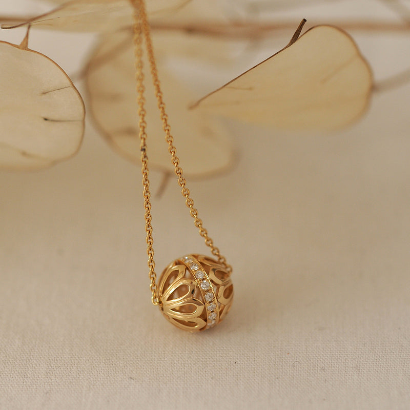 Mor Gold: Diamond Bead Pendant