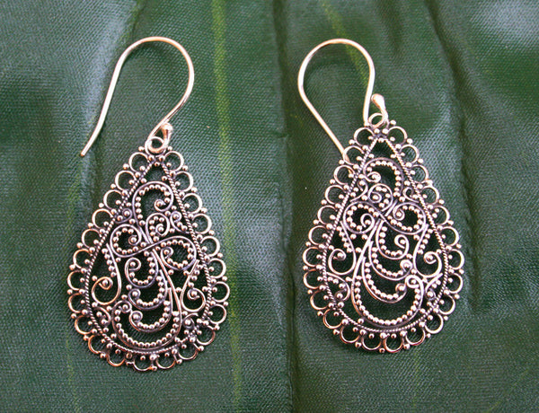 Kejuhan Earrings #138